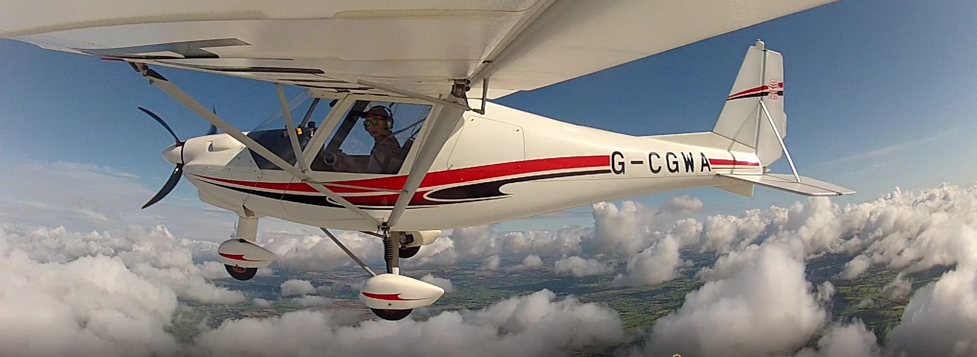 Flying a microlight